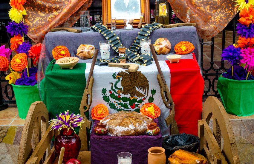 Cabo-Dia-de-los-Muertos-altar